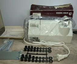 1988 Black & Decker Spacemaker Plus Under Cabinet Can Opener